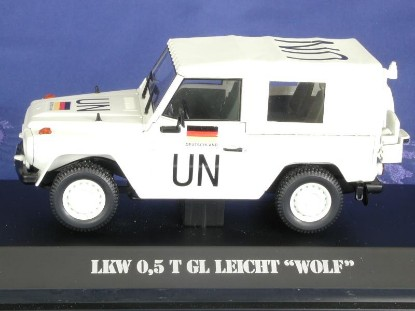 mb-wolf-1-2-ton-military-car-un-white-bub-premium-classixxs-BUB19003