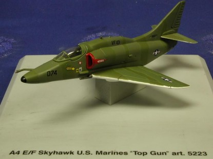 a4e-f-skyhawk-usmc-top-gun-cdc-armour-CDC5223