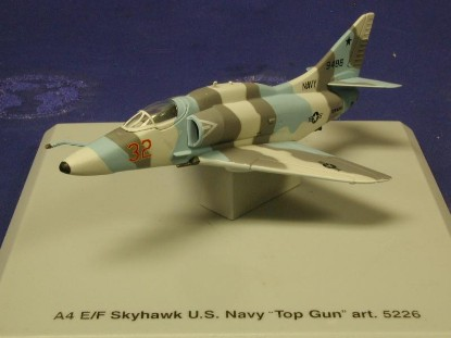 a4e-f-skyhawk-usn-top-gun-cdc-armour-CDC5226
