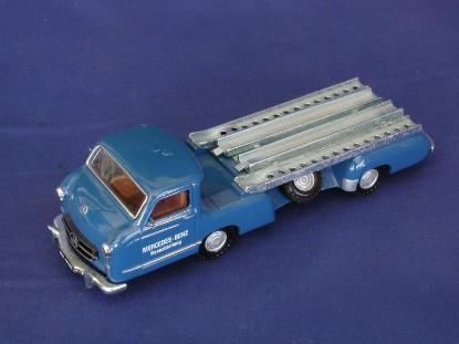 mercedes-race-car-transporter-1955-conrad-CON1034