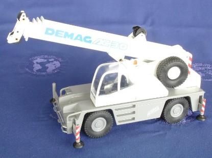 demag-ac30-rt-crane-new-2002--conrad-CON2089.01