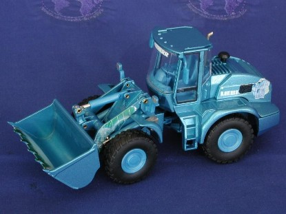 liebherr-l538-wheel-loader-blue-conrad-CON2435.1