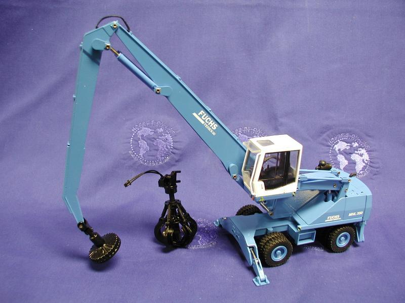 Terex-Fuchs MHL 350 scrap handler