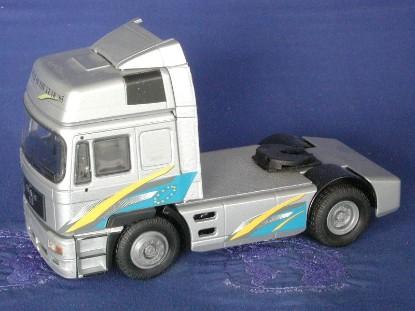 man-tractor-95-truck-of-the-year-conrad-CON6100