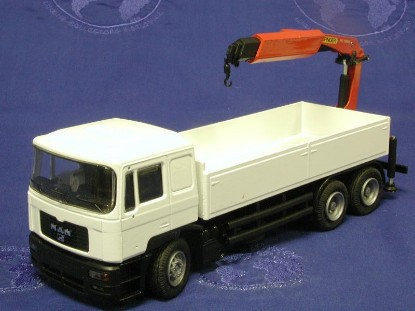 man-3x-truck-with-palfinger-knuckle-crane-conrad-CON61115.0