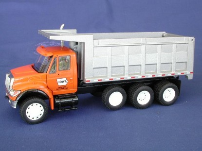 ih-7000-dump-orange-cab-silver-box-le250-iowa-conrad-CON69105.02