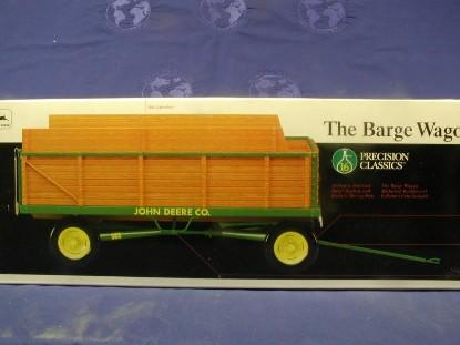 john-deere-barge-wagon-precision-series--ertl-ERT15133