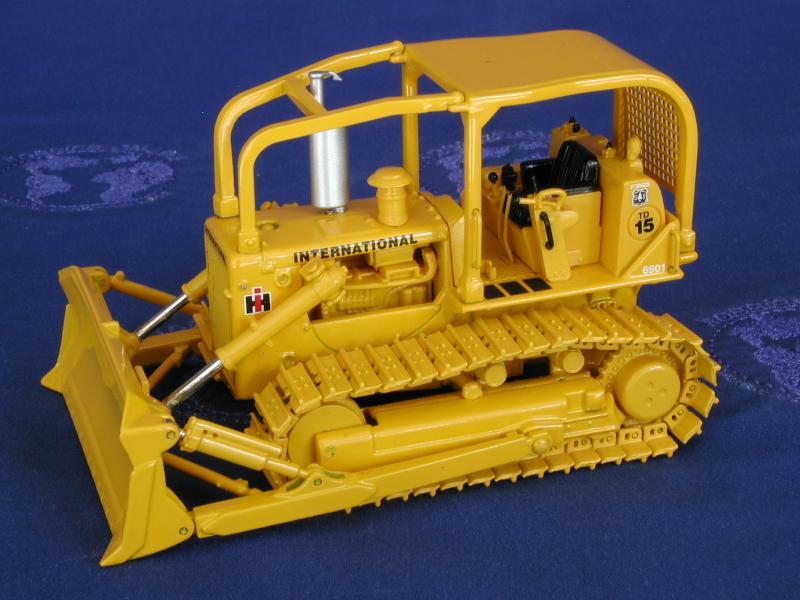 INTERNATIONAL HARVESTER TD15 Crawler Tractor Trucks