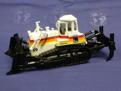 komatsu-d375a-dozer-sunrise-mining-first-gear-FGC503092
