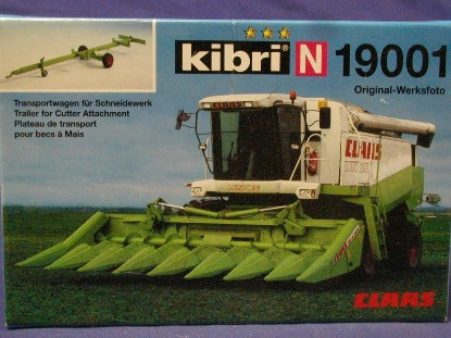 claas-lexion-combine-with-trailer-for-cutter-kibri-KIB19001
