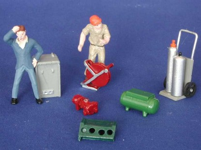 gas-station-set-2-figures-tools-kramer-KRMGS29