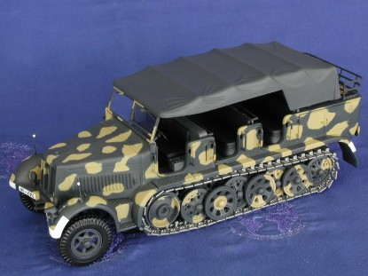 8-ton-half-track-personnel-carrier-minichamps-MIN350011170
