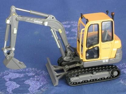 volvo-ec45-excavator-motorart-MOT10263