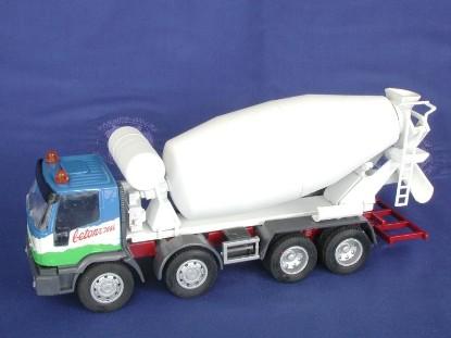 iveco-eurotrakker-4-axle-concrete-mixer-old-cars-OCS01850