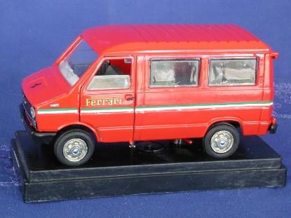 fiat-minibus-ferrari--old-cars-OCS02421