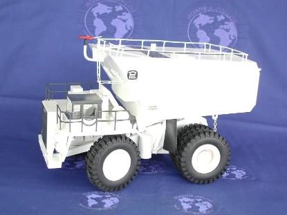 komatsu-685e-water-tanker-white-ohs-models-OHS523.1