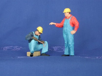 workmen-welding-hardhats-painted-preiser-PRE45076
