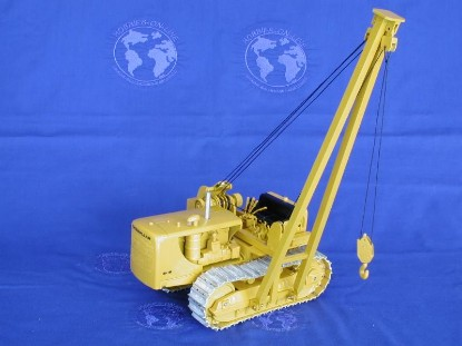 md8-trackson-pipelayer-on-cat-d8-rod-cross-toys-RCT08