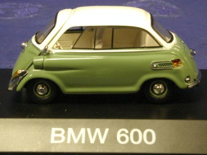 bmw-600-green-white-schuco-SHU2341