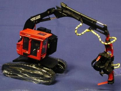 komatsu-valmet-445exl-with-felling-head-sword-models-SWM3006