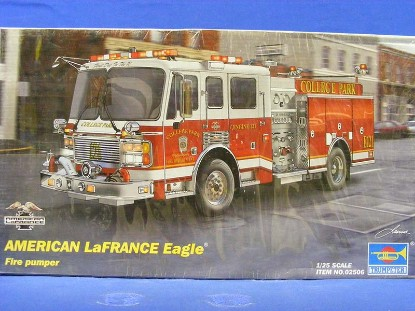 american-lafrance-eagle-fire-pumper-kit-trumpeter-TRU2506