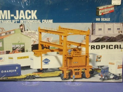 mi-jack-tl-1000-container-lift-walthers-WAL3122