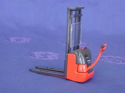 fenwick-l12-hand-forklift-conrad-CON2988