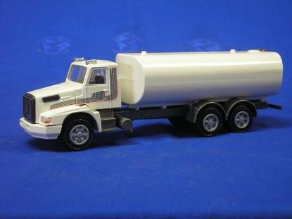 volvo-nl10-water-truck-conrad-CON3777