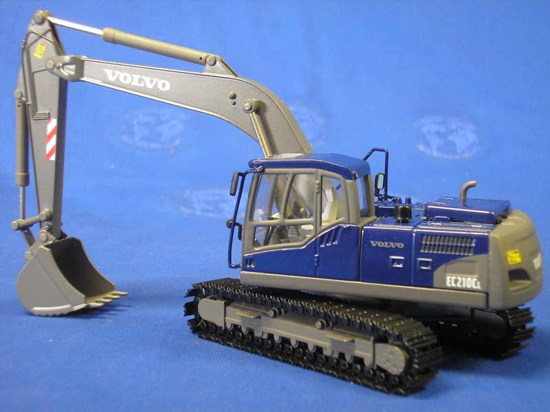 volvo-ec210c-track-excavator-blue-silver-motorart-MOT13382