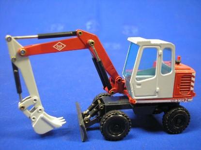 o-k-mh2-wheel-excavator-with-blade-nzg-NZG287