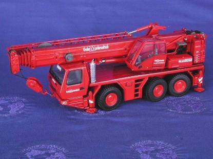 grove-gmk-3055-3-axle-truck-crane-markewitsch-twh-collectibles-TWH003M