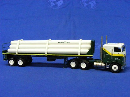 freightliner-flatbed-w-load-air-products--conrad-CON3519