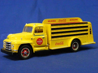 diamond-t-coca-cola-bottle-truck-first-gear-FGC3100