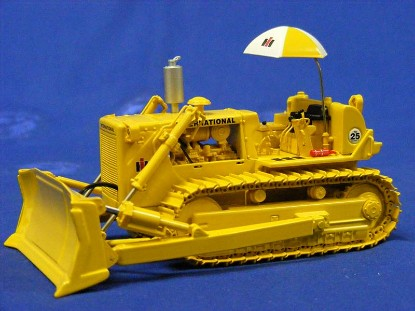 ih-td-25-crawler-dozer-w-blade-hitch-umbrella-first-gear-FGC503132