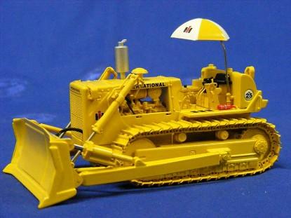 ih-td-25-crawler-dozer-w-blade-hitch-umbrella-first-gear-FGC503132
