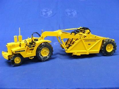 john-deere-tractor-scraper-reuhl-products-REU01
