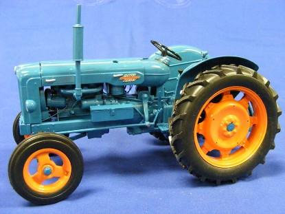 fordson-power-major-universal-hobbies-limited-UHL2640