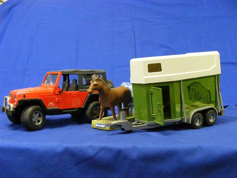 Jeep Wrangler W Horse Trailer Bruder Bru02921