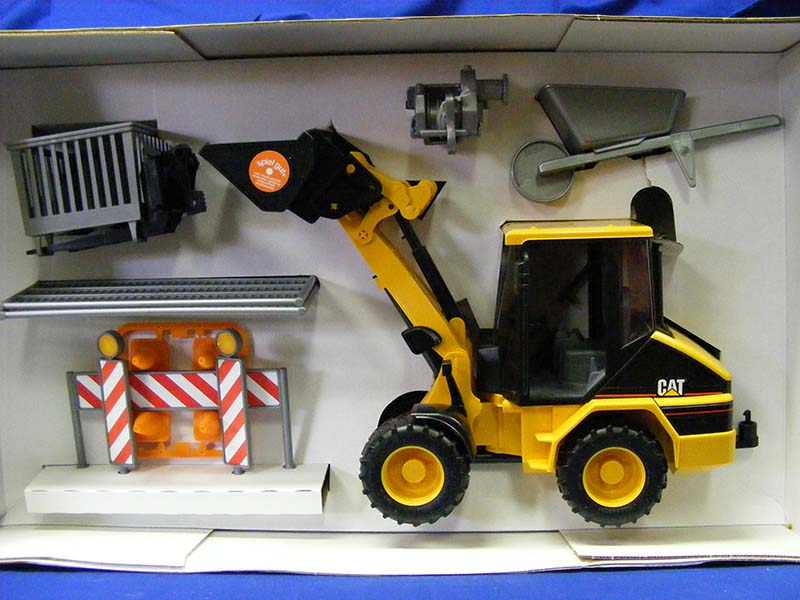 cat-wheel-loader-accessories-bruder-BRU09018