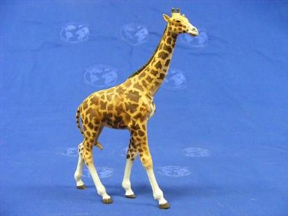 giraffe-standing-elastolin-by-preiser-ELA5401