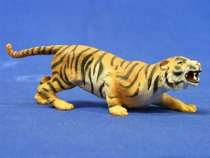 tiger-attacking-elastolin-by-preiser-ELA5410