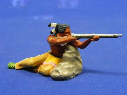 indian-warrior-shooting-gun-elastolin-by-preiser-ELA7117