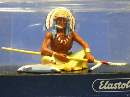 indian-chief-sitting-with-spear-elastolin-by-preiser-ELA7121