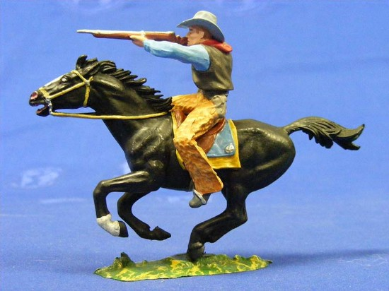 cowboy-on-horse-shooting-rifle-elastolin-by-preiser-ELA7156