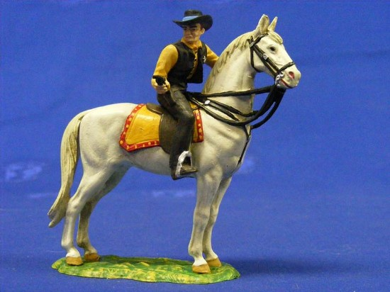 marshall-on-horse-with-gun-elastolin-by-preiser-ELA7158