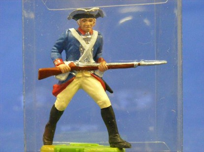 rev.-war-soilder-carrying-rifle-elastolin-by-preiser-ELA7340