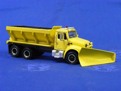 ih-10-wheel-sander-snowplow-yellow-truck-city-toys-TCTH19
