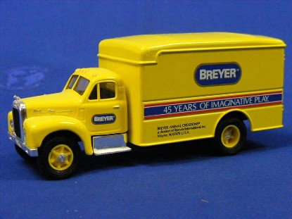 mack-b-van-breyer-creations-corgi-COR98453