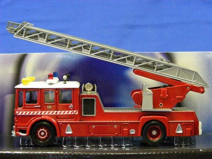 aec-fire-turntable-ladder-truck-corgi-COR10307