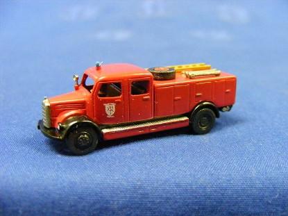 mercedes-3500-tlf15-fire-pumper-marks-MAR1702
